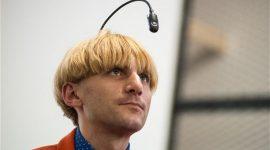 Британец-дальтоник встроил в череп звуковой глаз