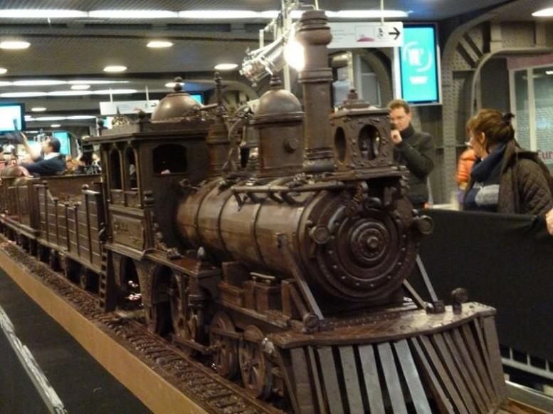 chocolate-train1