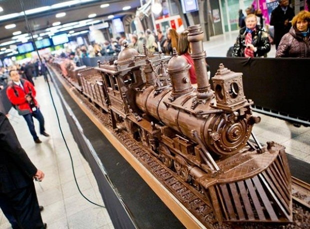 chocolate-train3