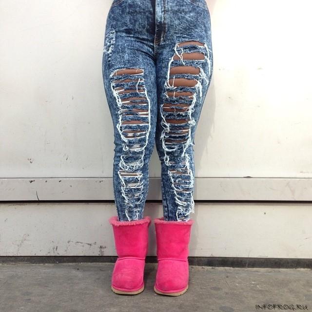 Фото женских ног в рваных джинсах