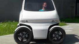 Микро-автомобиль для современных мегаполисов, умеющий двигаться боком
